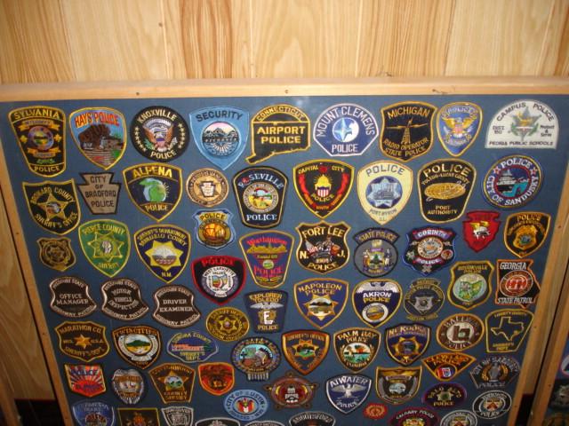 gros lot insignes police us et divers Dsc09949