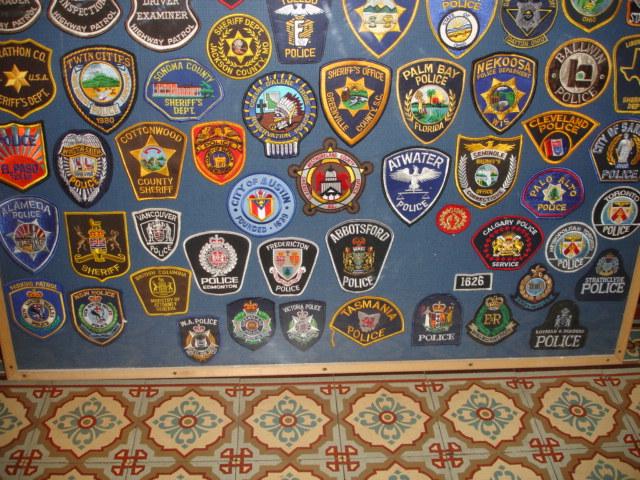 gros lot insignes police us et divers Dsc09950