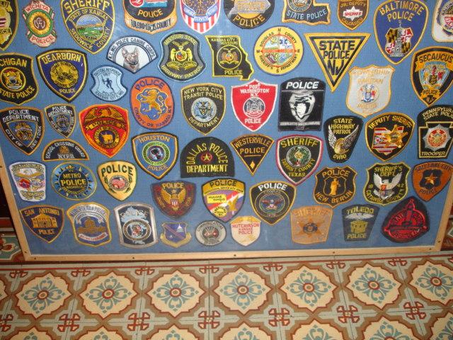 gros lot insignes police us et divers Dsc09952