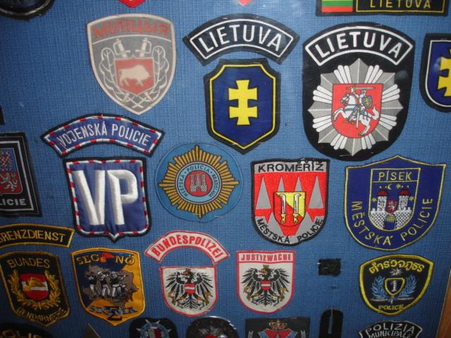 gros lot insignes police us et divers Dsc09953