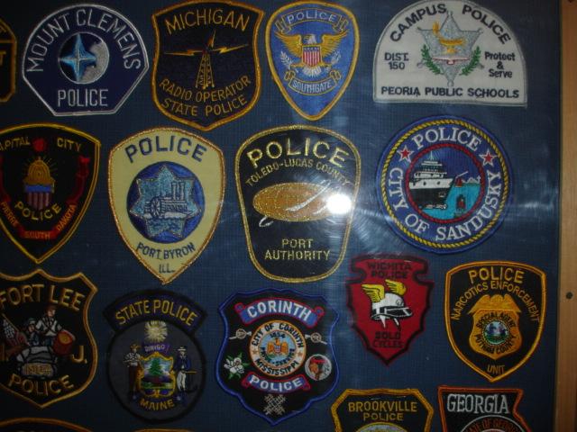gros lot insignes police us et divers Dsc09955