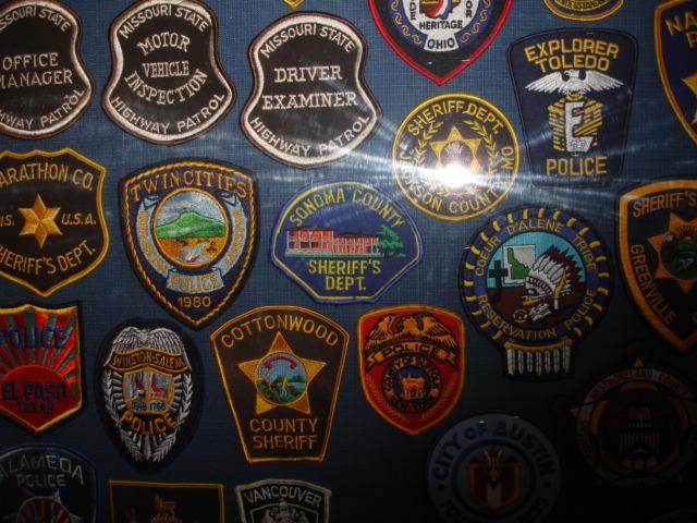 gros lot insignes police us et divers Dsc09957