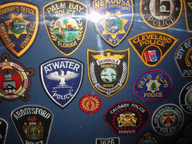 gros lot insignes police us et divers Dsc09958