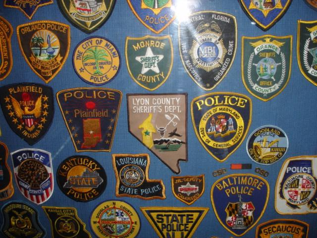 gros lot insignes police us et divers Dsc09960