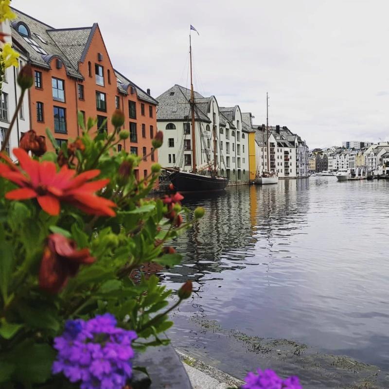 Роскошные пейзажи Норвегии - Страница 17 1ooly810