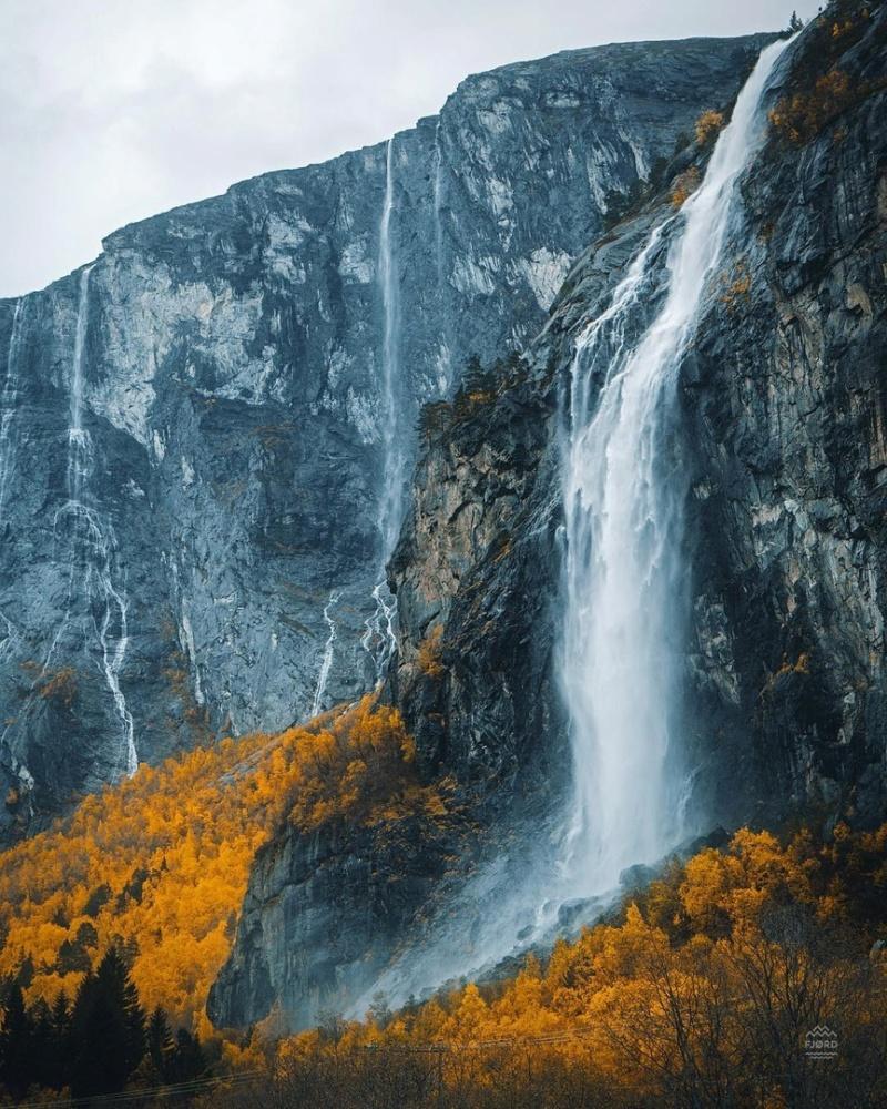 Роскошные пейзажи Норвегии - Страница 4 Iciyhe10