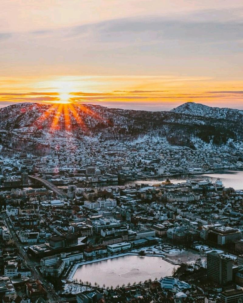 Роскошные пейзажи Норвегии - Страница 3 Ilo7si10