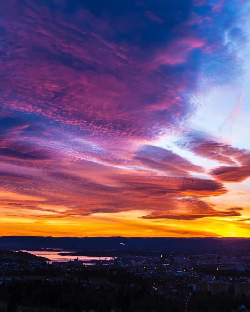 Роскошные пейзажи Норвегии - Страница 14 Khpeya10