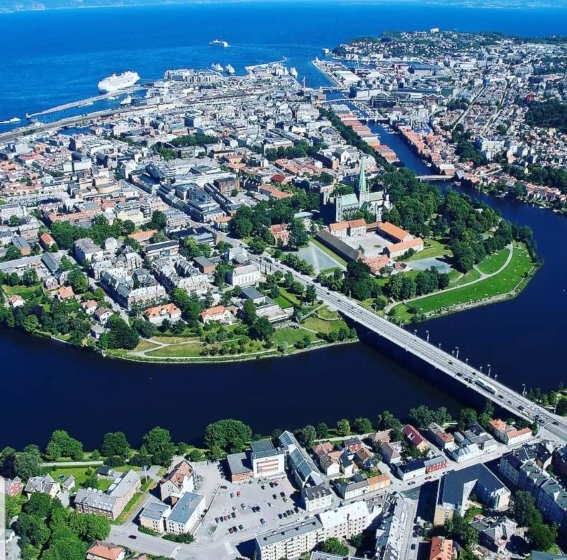 Роскошные пейзажи Норвегии - Страница 6 Srvyms10
