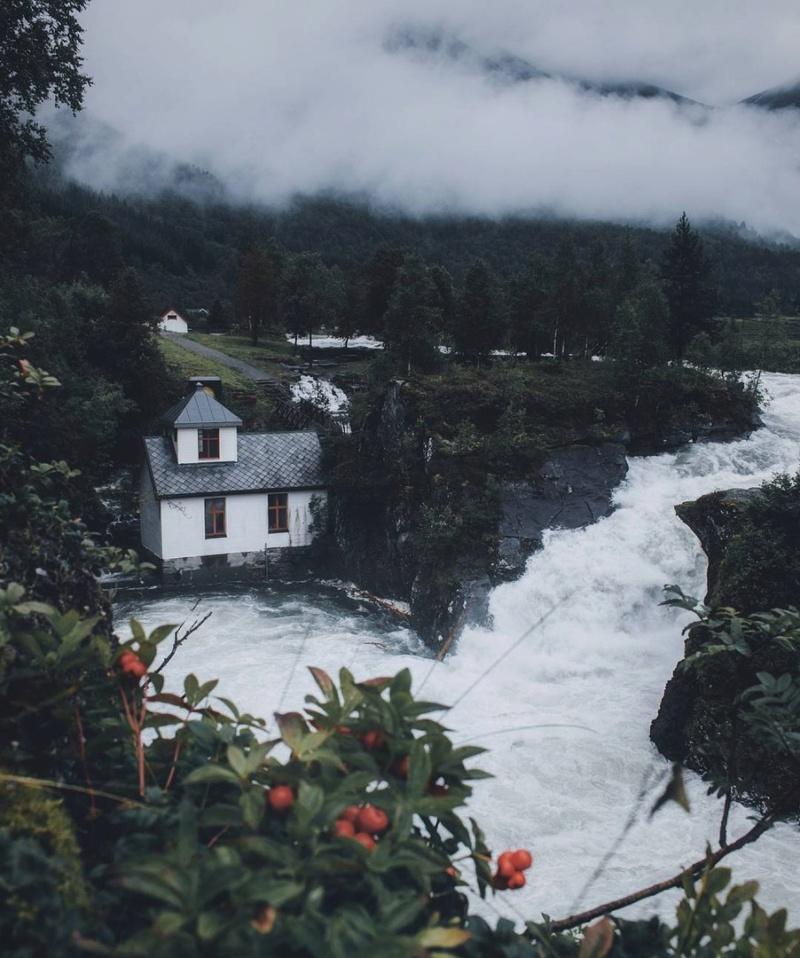 Роскошные пейзажи Норвегии - Страница 6 Suxqha10