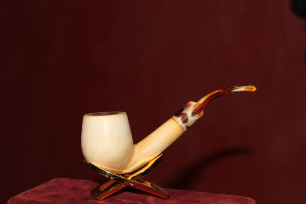 Ce vin et un oeuf accompagné d'une bonne bouffarde.21/9 00215