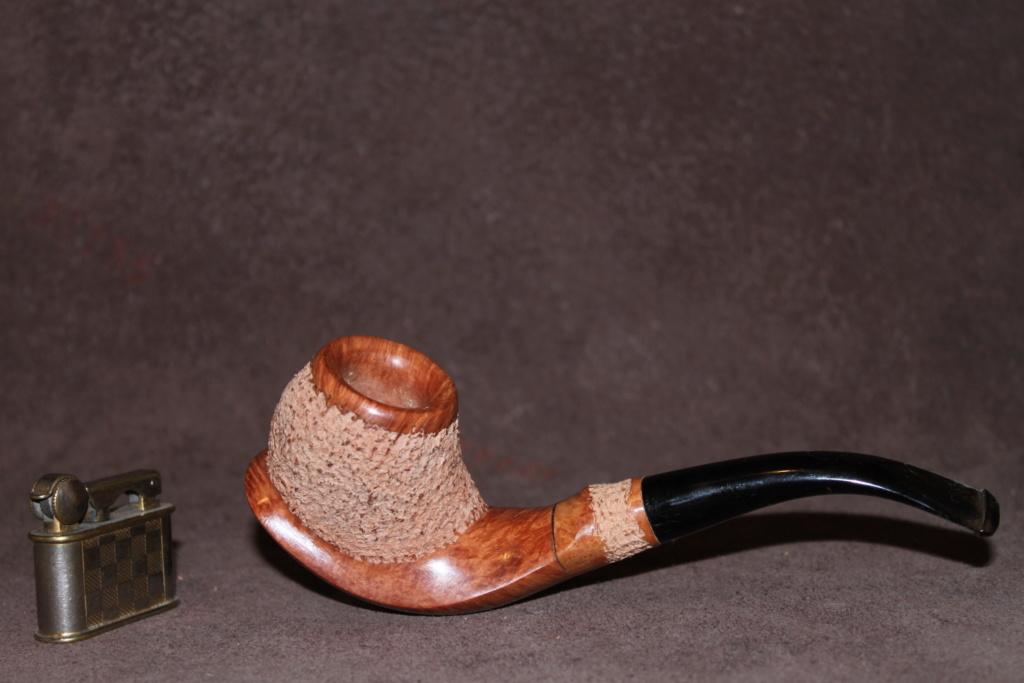 """L'inspecteur mène l'enquête ! indice""""1/10"""" du tabac dans sa pipe. 05110"""