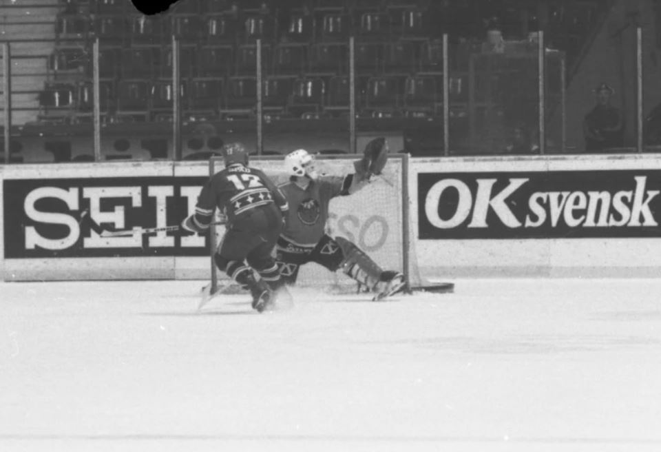 Minnesvärda Luleå Hockey stunder - Sida 2 Lhf_fz10