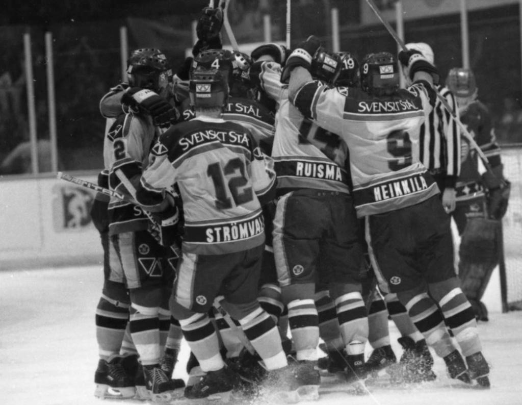 Minnesvärda Luleå Hockey stunder - Sida 2 Lhf_sp10