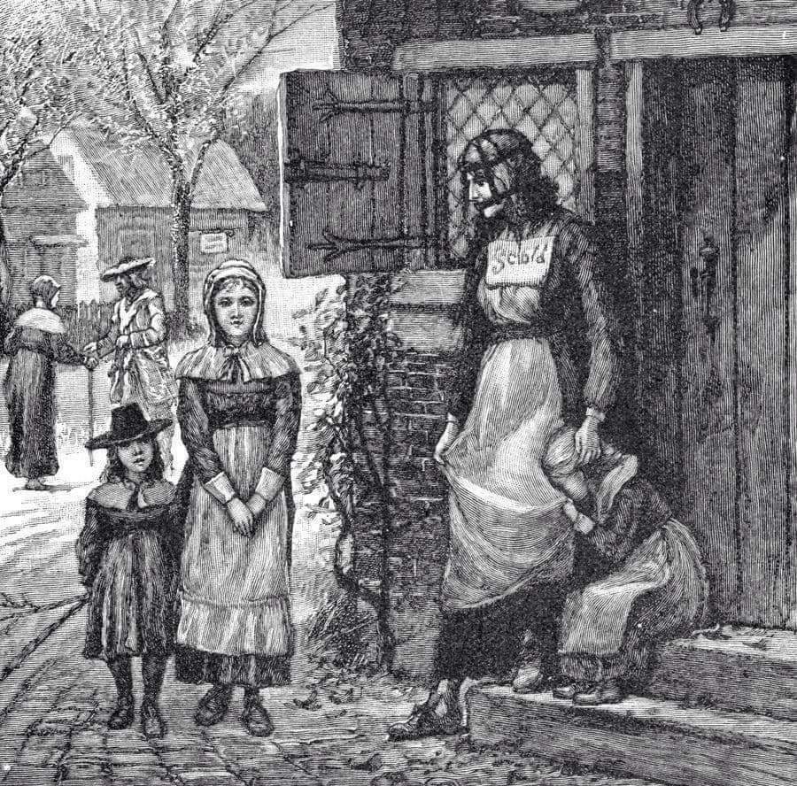 عقوبة المرأة الثرثارة في عصور أوروبا المظلمة  Fb_img41
