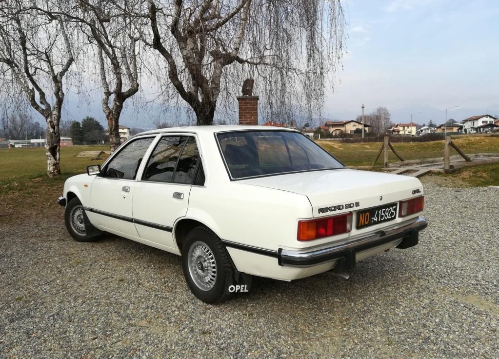 Opel Rekord E1 2.0 E Berlina (1980).... dopo la Vanda arriva... Miranda! Img_2353