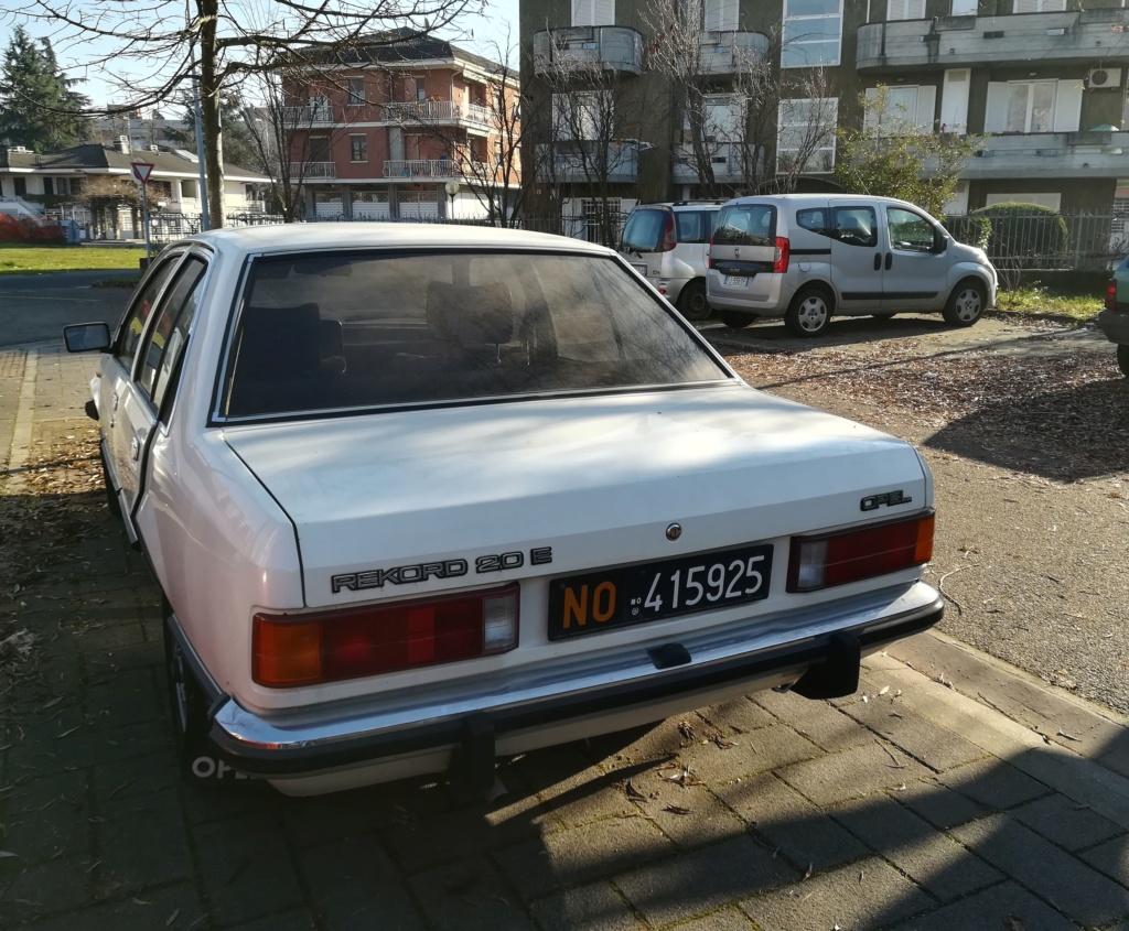 Opel Rekord E1 2.0 E Berlina (1980).... dopo la Vanda arriva... Miranda! Opel_r12