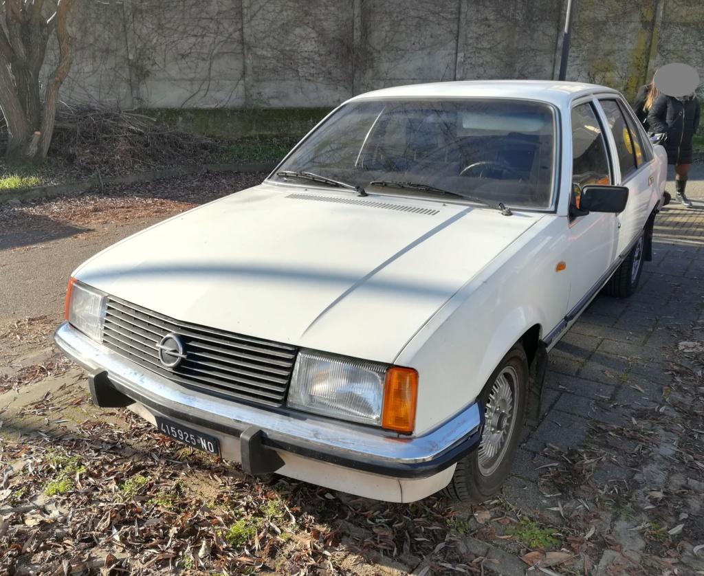 Opel Rekord E1 2.0 E Berlina (1980).... dopo la Vanda arriva... Miranda! Opel_r13