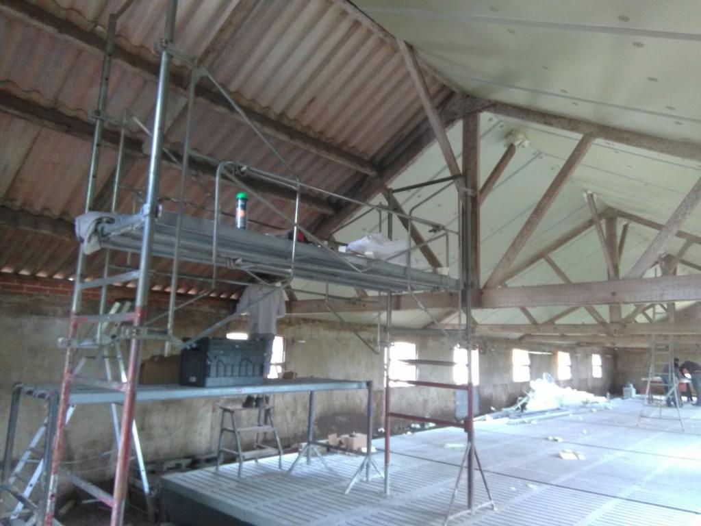 debut des grand travaux!!!, on creuse la piscine Img_2012
