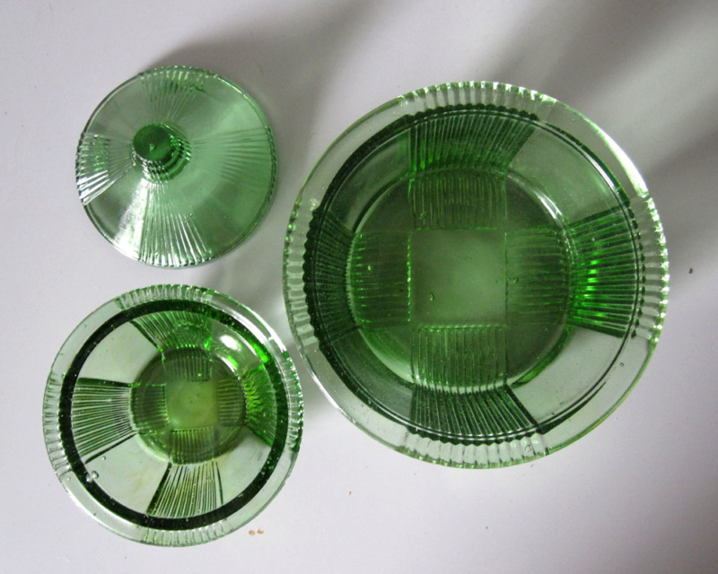 Anyone recognise this green pressed glass? Greeng13