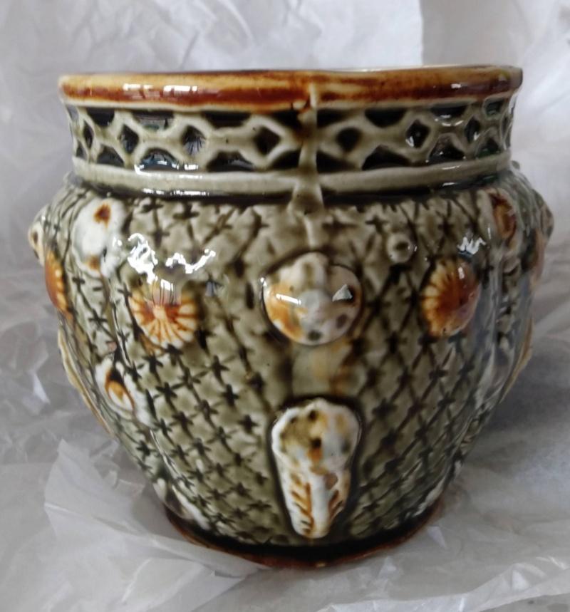 Cache pot, Alhambrian majolica  Img_2156