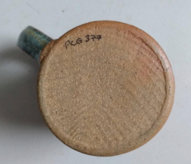 Frog in bottom mug - maker?? Ridge Pottery Img_2170