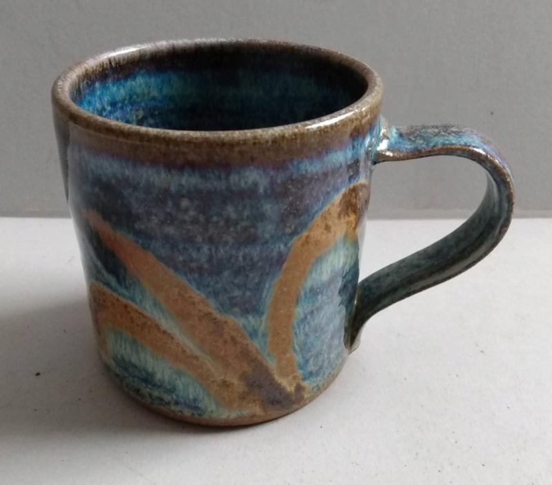 Frog in bottom mug - maker?? Ridge Pottery Img_2171