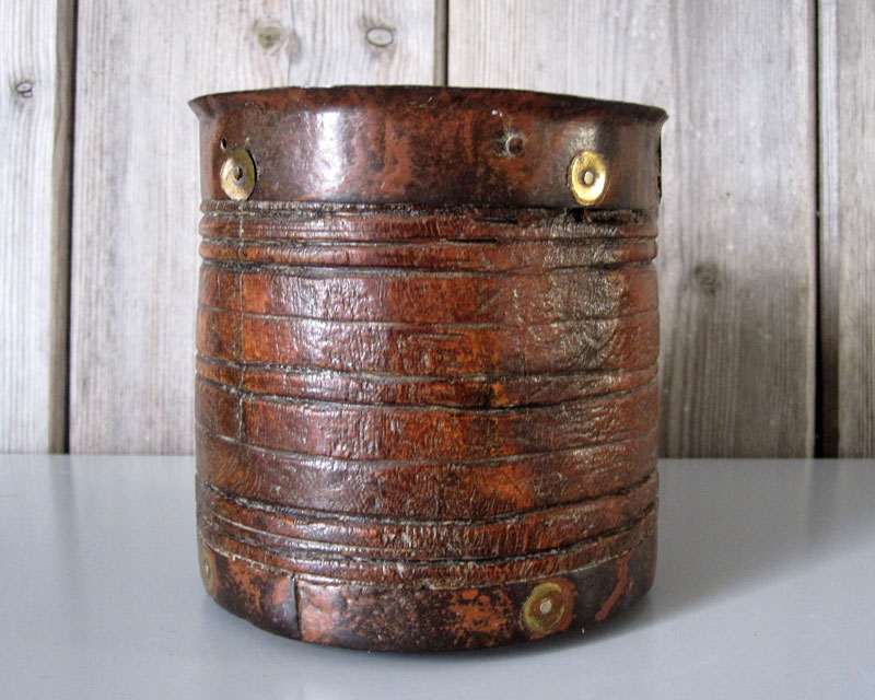 Leather and metal pot Leathe11