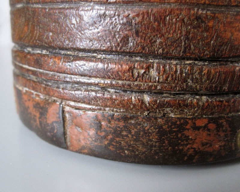 Leather and metal pot Leathe12