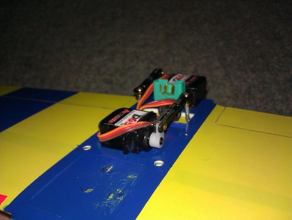 TD .051 Powered RC Speedster Servo_10
