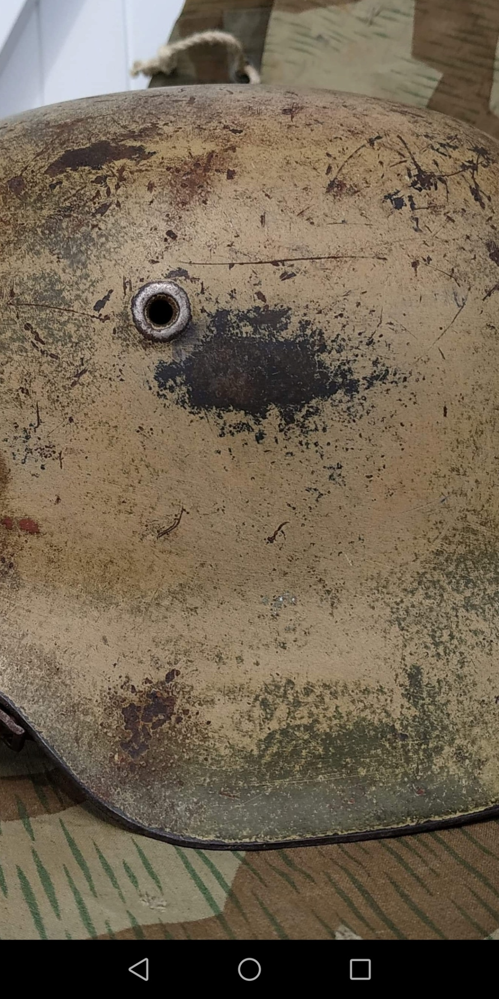 Casque allemand camouflé  Screen13