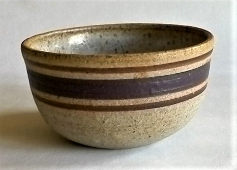 Stoneware bowl marked M Mpot110