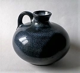 Well made ovoid vase with handle ... MONIKA MAETZEL Ovid_a10