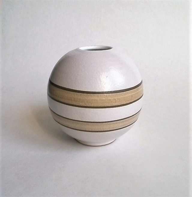 Painted Ball vase marked ID 86? Round110