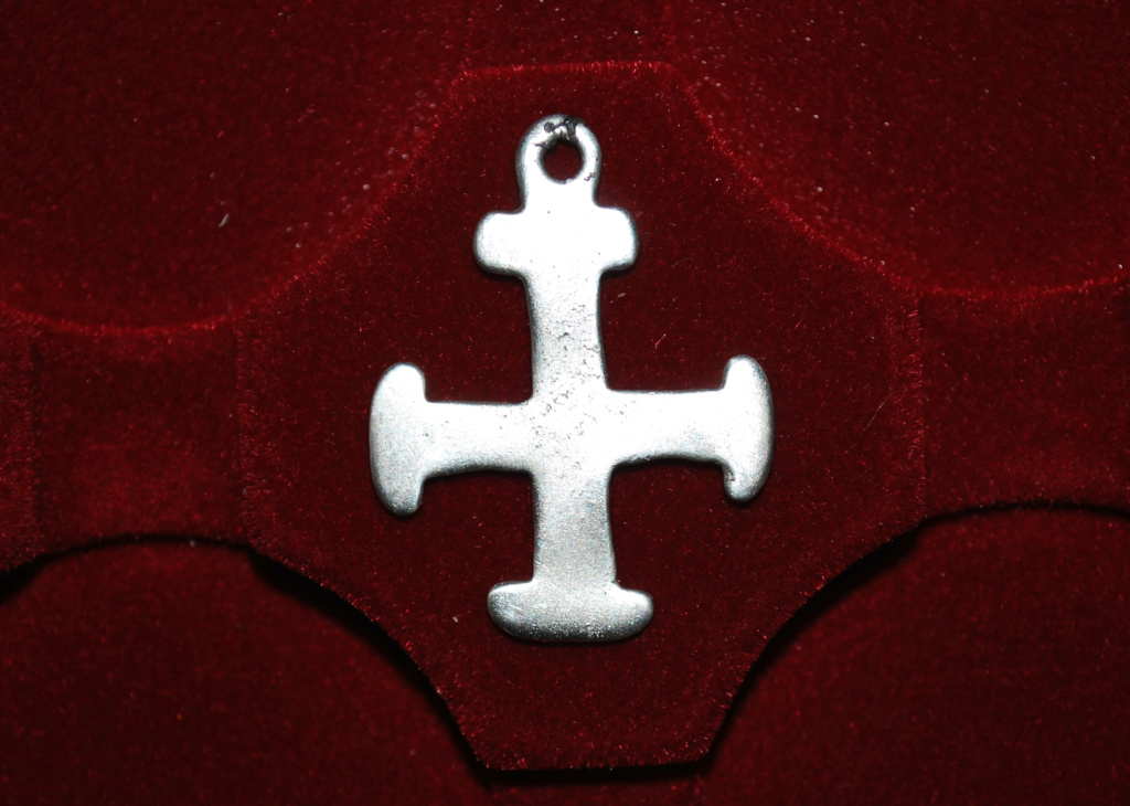 ayuda para catalogar cruz Dsc_5910