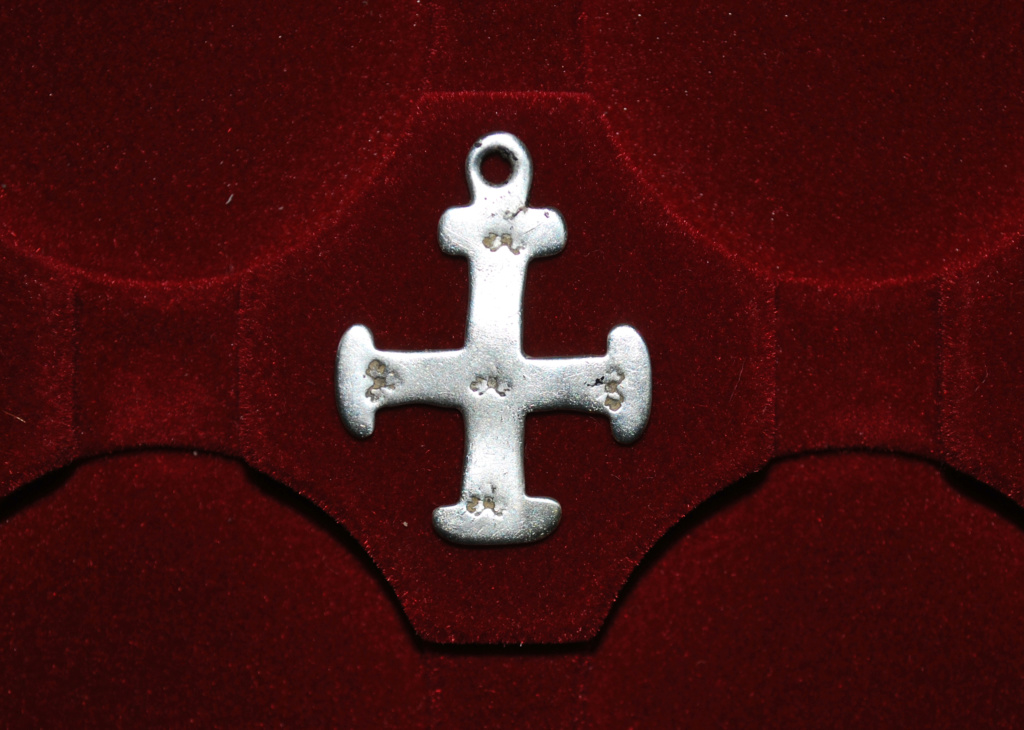 ayuda para catalogar cruz Dsc_5911