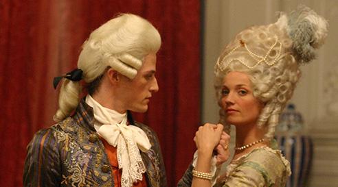 Marie-Antoinette avec Caroline Bernard docu-fiction de Grubin) - Page 2 Mariea10