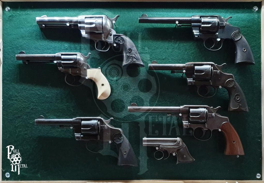 Vos étagères pour armes courtes Collec17