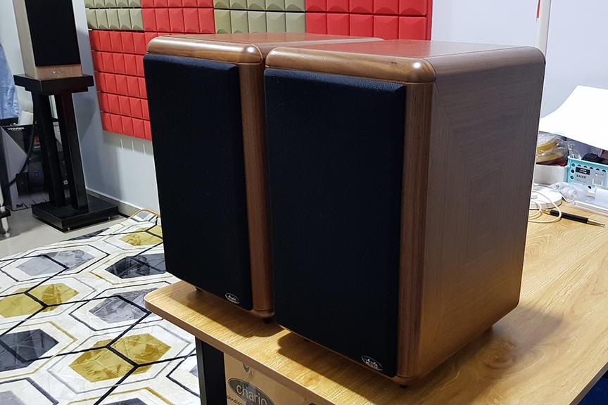 Chario Syntar 516R Bookshelf Speaker 20191214
