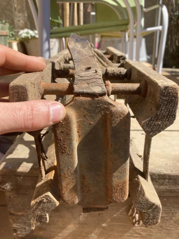 Claie de portage obus 10,5cm et caisse inconnue 306d0910