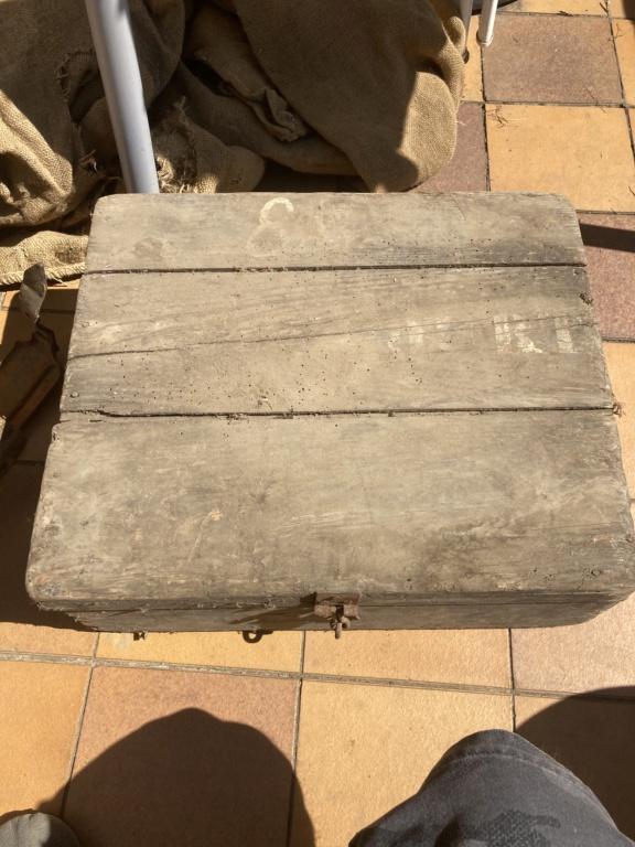 Claie de portage obus 10,5cm et caisse inconnue 910ed710