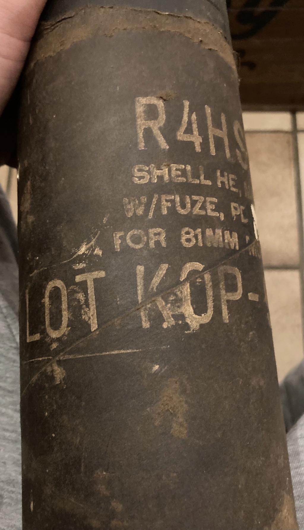 Claie de portage obus 10,5cm et caisse inconnue 9297e310