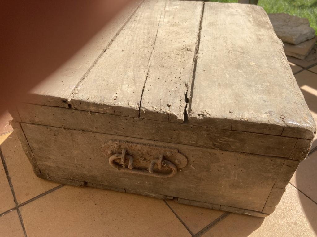 Claie de portage obus 10,5cm et caisse inconnue Fd730e10
