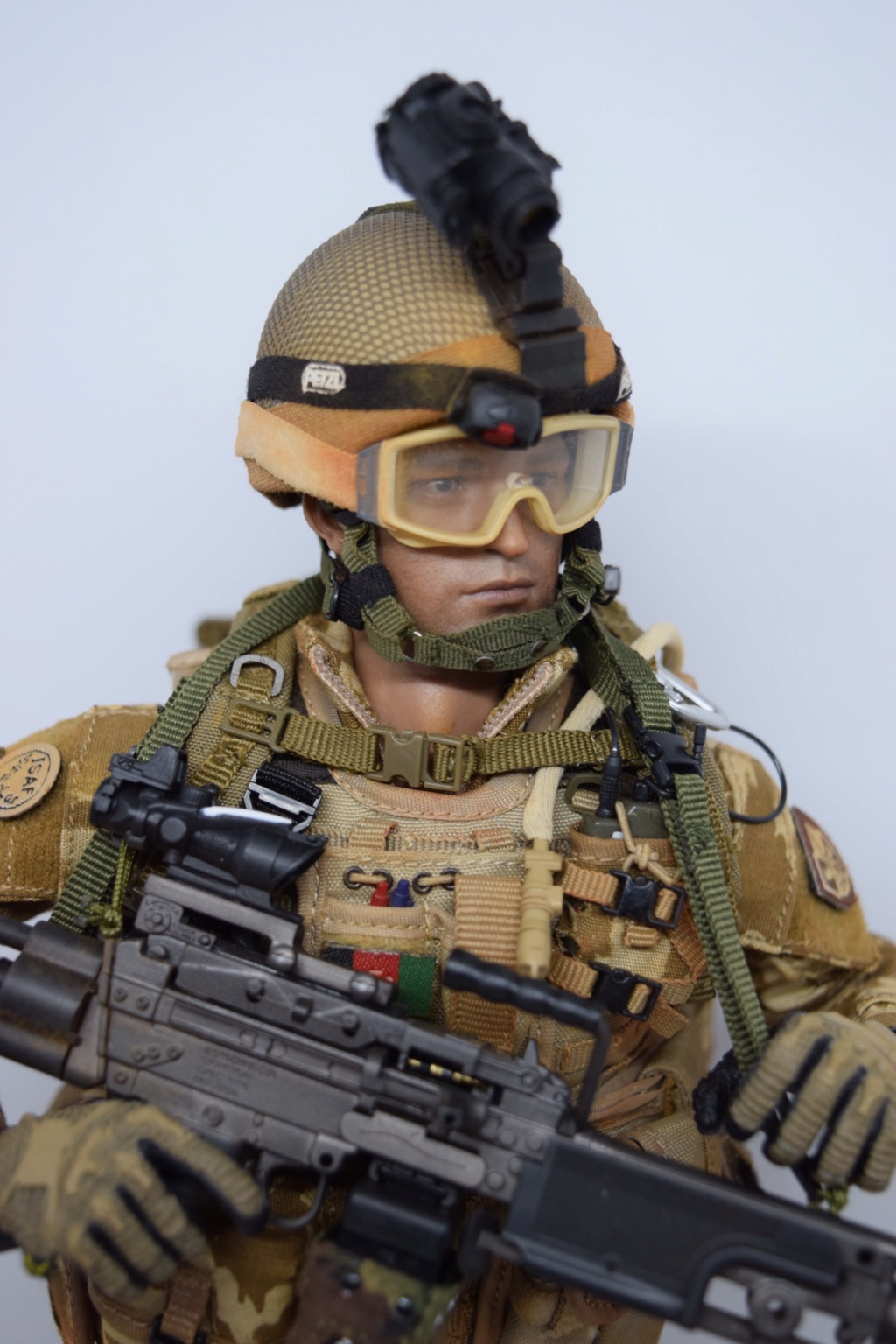 2 - Dam Toys British Minimi Gunner, Afghanistan  7285fb10