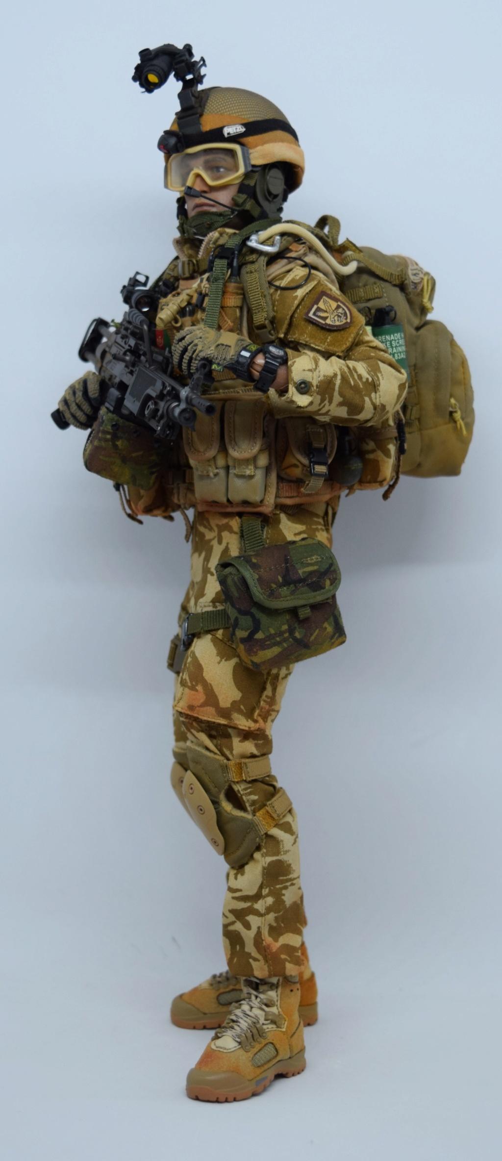 2 - Dam Toys British Minimi Gunner, Afghanistan  A494f410