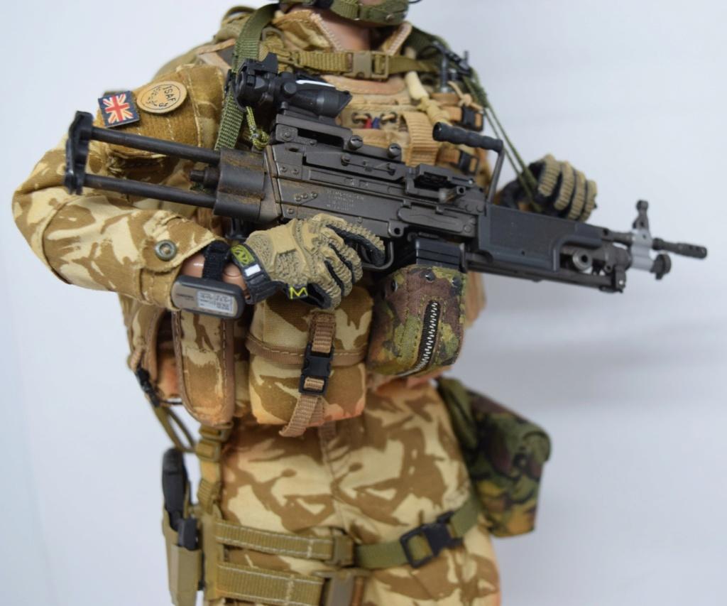 2 - Dam Toys British Minimi Gunner, Afghanistan  F6551210