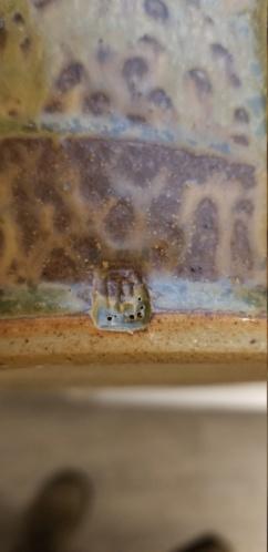 Help identifying marking on lidded vase 20200111