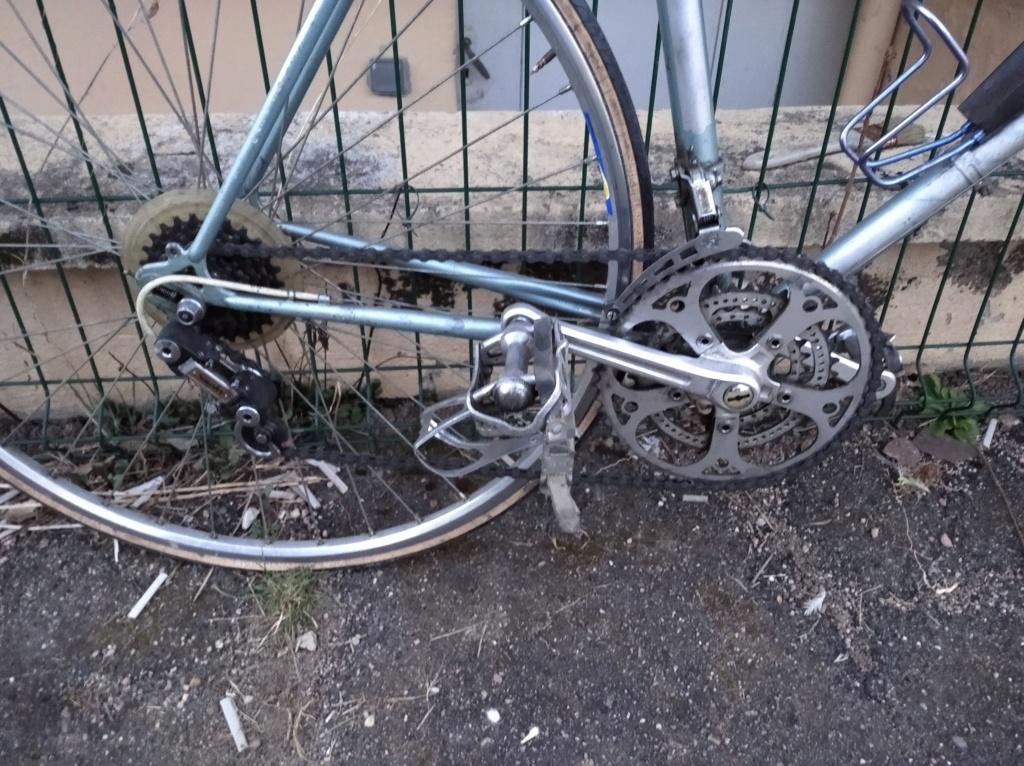 Vélo a identifier mais équipements francais Img_2014