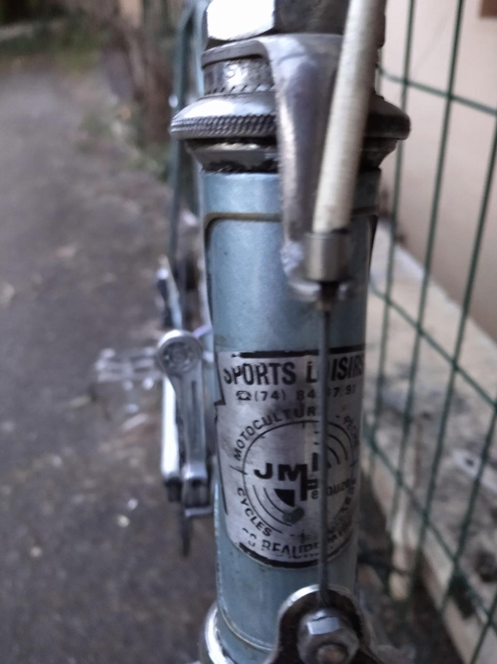 Vélo a identifier mais équipements francais Img_2017