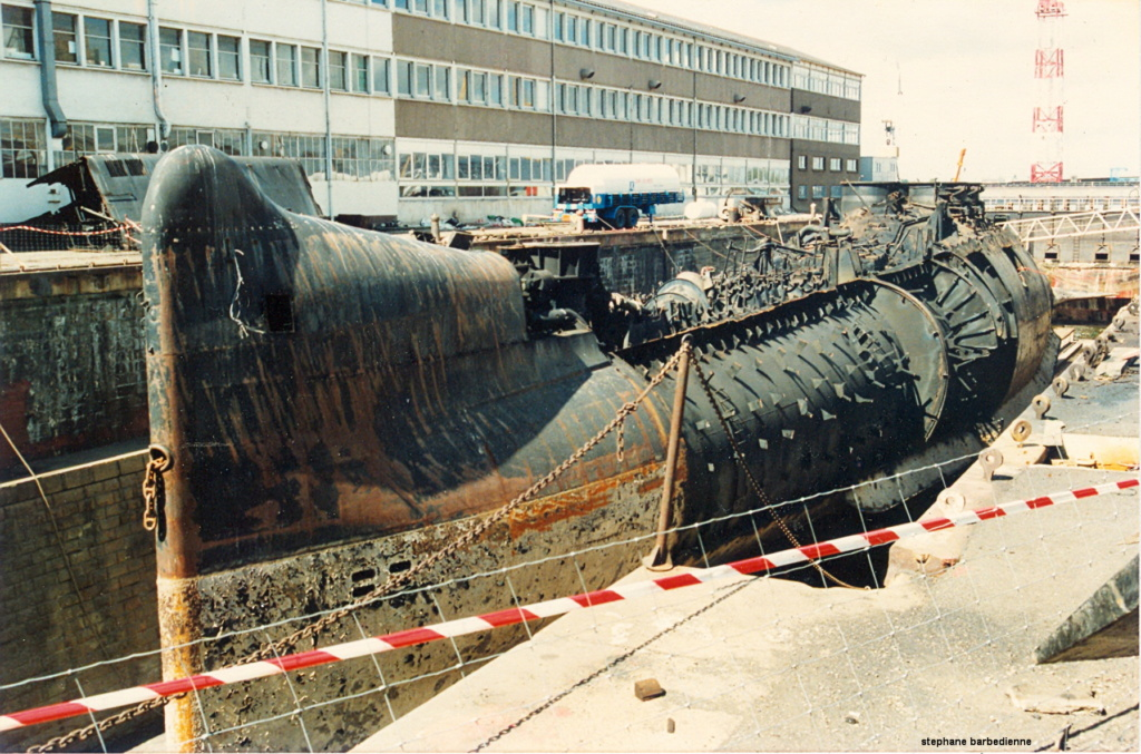 [Autre sujet Marine Nationale] Démantèlement, déconstruction des navires - TOME 2 - Page 5 Sous_m10